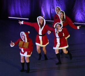 CHRISTMAS DANCE 2018 X CASA PRISCILLA 1000
